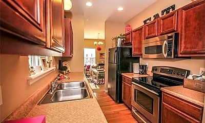 Kitchen, 825 Waler Dr, 1