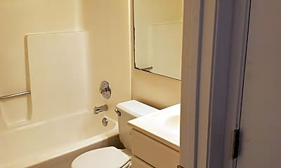 Bathroom, 1100 Kingbolt Cir Dr, 1
