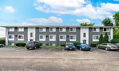 Building, 810 Riverview Dr, 1