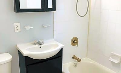 Bathroom, 2426 Queens Chapel Rd NE, 2