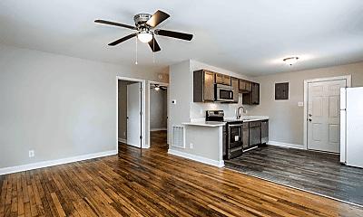 Living Room, 610 N Maple St, 0