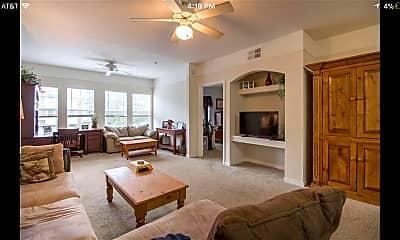 Living Room, 2801 Chancellorsville Dr 423, 1