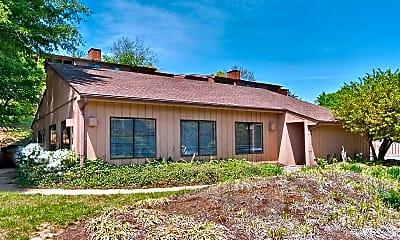 Building, 132 Turtle Creek Rd, 1