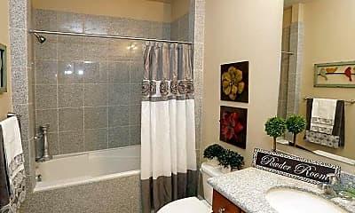 Bathroom, Fountaina Bleau North to The Versailles, 1