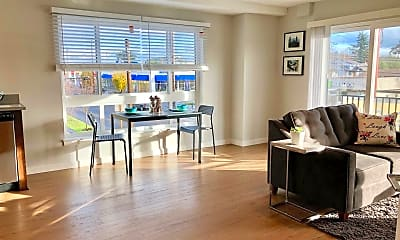 Living Room, 1765 N Lombard St, 1