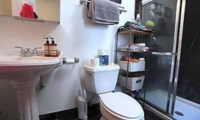 Bathroom, 1753 N Milwaukee Ave, 2