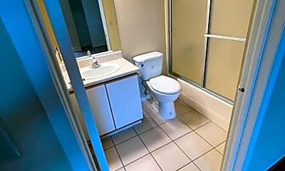 Bathroom, 5332 Russell Ave, 2