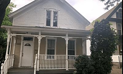 Building, 699 Wilson Ave, 2