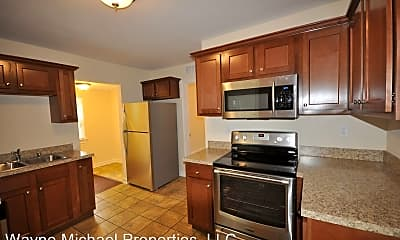 Kitchen, 722 Golfview Dr, 1