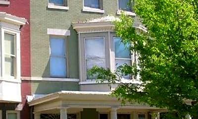 Building, 1022 W Franklin St, 0