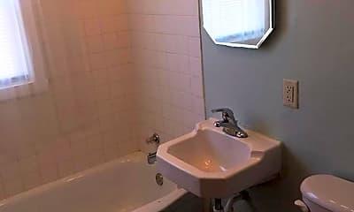 Bathroom, 2919 8th St N, 2
