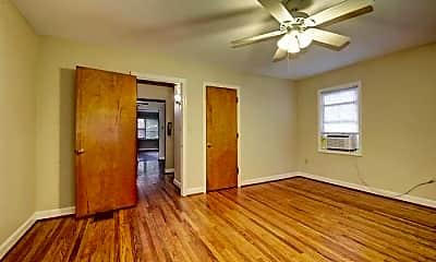 Living Room, 308 Ridgedale Rd, 2
