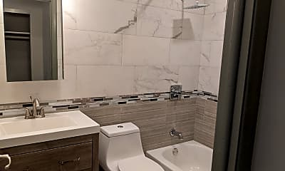 Bathroom, 1005 N Main Street Ext, 2