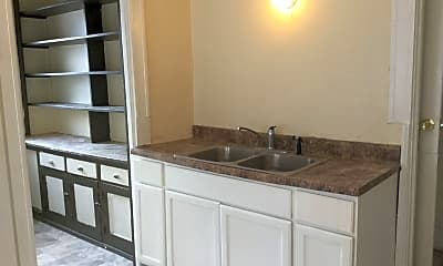 Kitchen, 3913 W Walnut St, 0