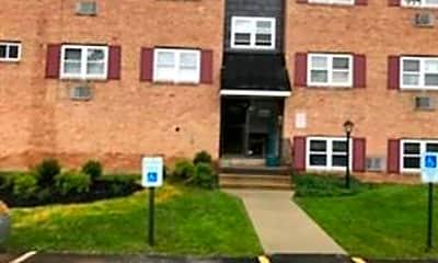 Building, 335 E Lancaster Ave D5, 1