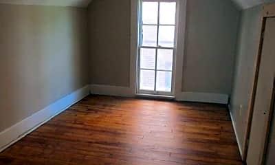 Living Room, 215 S Vine St, 2