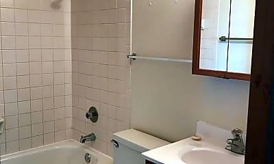 Bathroom, 408 5th Ave E, 2