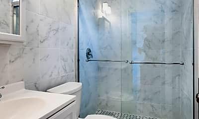 Bathroom, 43 Auckland St, 2