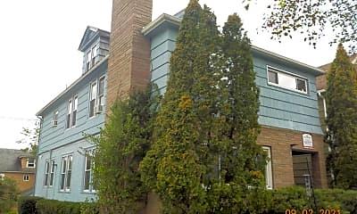 Building, 401 Roosevelt Ave, 1