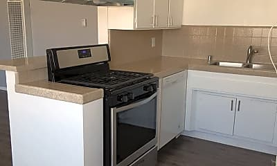 Kitchen, 814 Victor Ave, 1
