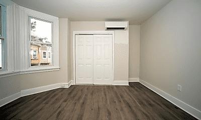Living Room, 2835 N Ringgold St, 1