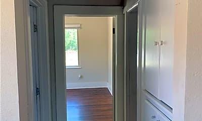 Bathroom, 1614 N Marion Ave, 2