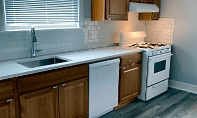 Kitchen, 5648 N Spaulding Ave, 1