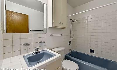 Bathroom, 414 Warren Dr, 2