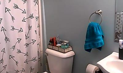 Bathroom, 460 Platt St, 1