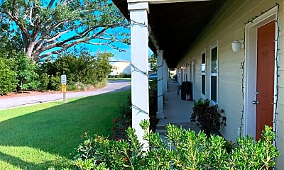 Island Oaks Apartments, 2