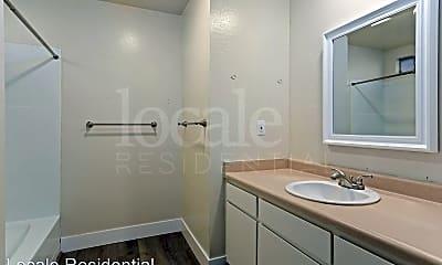 Bathroom, 1119 West Sacramento Avenue, 2
