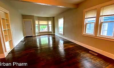 Living Room, 610 Lafayette Ave SE, 1