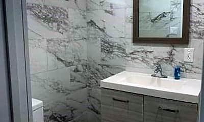 Bathroom, 3454 111th St 3, 2