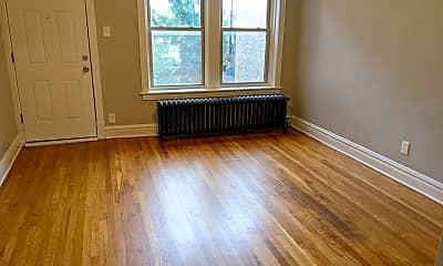 Living Room, 741 N Ridgeway Ave, 1