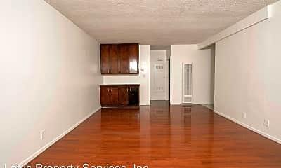 Living Room, 1121 Alpine St, 1