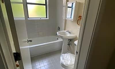 Bathroom, 114 N Parkside Ave, 2