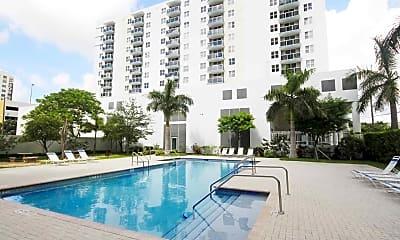 Pool, Second Plaza, 0