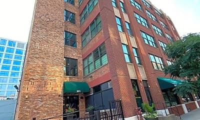 Building, 812 W Van Buren St 4G, 1