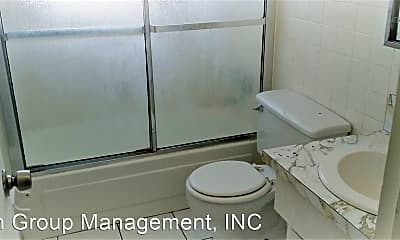 Bathroom, 2420 Johnson St, 2