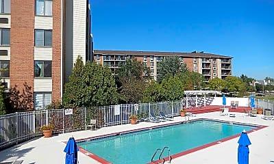 Pool, 12 Oaks at Schaumburg, 1