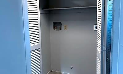 Bathroom, 77901 Dudley Dr, 2