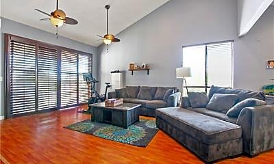 Living Room, 3913 N Virginia Rd, 0