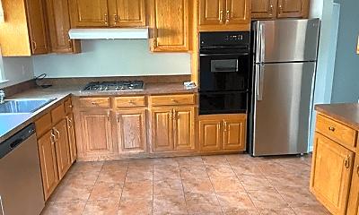 Kitchen, 1020 Stoneybrook Ave, 0