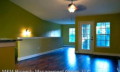 Living Room, 7405 Vista Way, 1