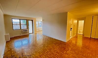 Living Room, 111 N 3rd Ave, 1