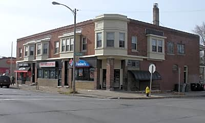 Building, 3129 N Oakland Ave, 1
