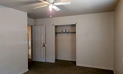 Bedroom, 208 Hemlock Ave, 2