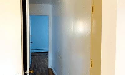 Bathroom, 111-29 44th Ave, 1