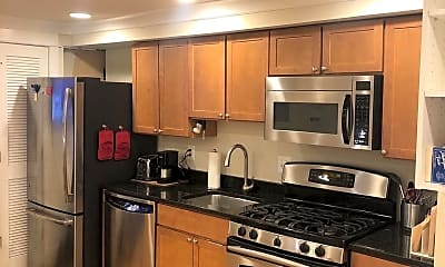 Kitchen, 703 6th St NW 1, 0