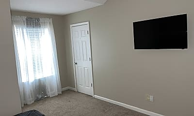 Bedroom, Room for Rent - Live in South River Gardens, 2